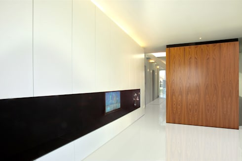 Brick Wall House:  Muren door 123DV Moderne Villa's