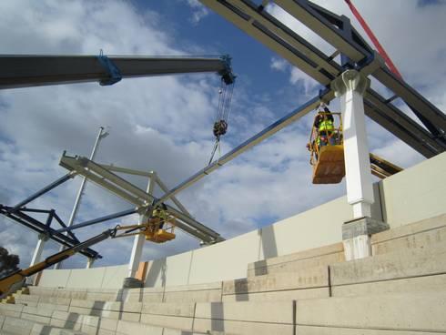 Rehabilitación del Great man made river estadio en Tripoli. 5K :  de estilo  de Javier Garcia Alda arquitecto