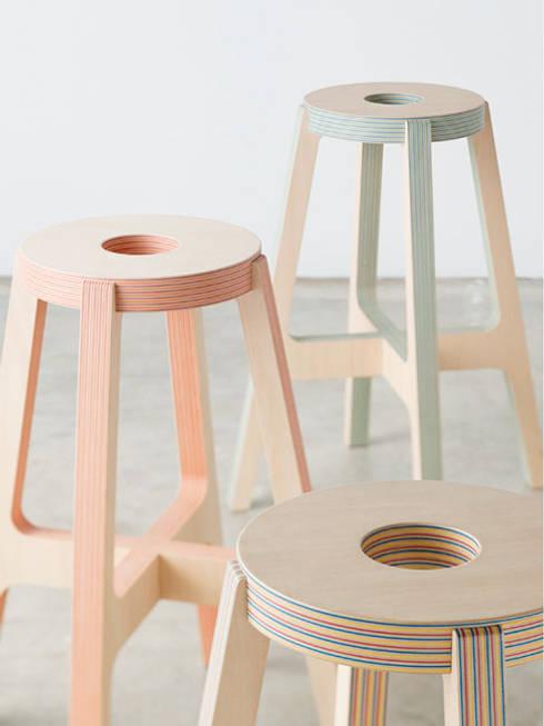 Paper-Wood STOOL: DRILL DESIGN Co., Ltd.が手掛けた家庭用品です。