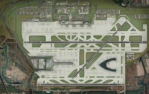Terminal 1 at Barcelona Airport:  de estilo  de Ricardo Bofill Taller de Arquitectura
