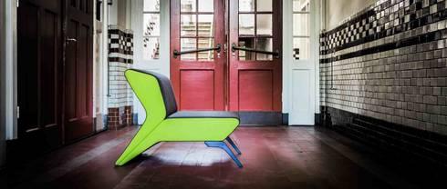 Lounge chair Lomo: moderne Woonkamer door B crea