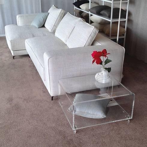 Tavolini moderni in plexiglass di designtrasparente homify for Tavolini per soggiorno moderni