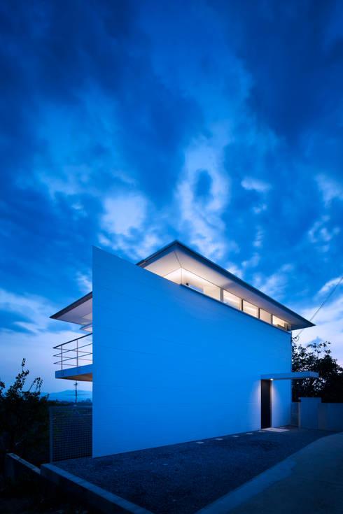de estilo  por Yoshiaki Yamashita Architect&Associates