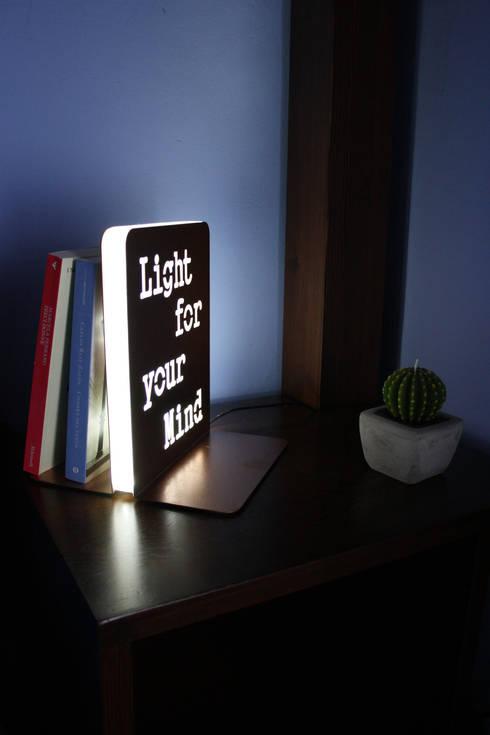SpotStop (Light for your mind): Soggiorno in stile in stile Minimalista di ANDREA SCARPELLINI DESIGN