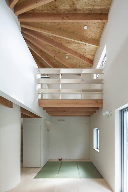 FUMIASO ARCHITECT & ASSOCIATES/ 阿曽芙実建築設計事務所의  주택