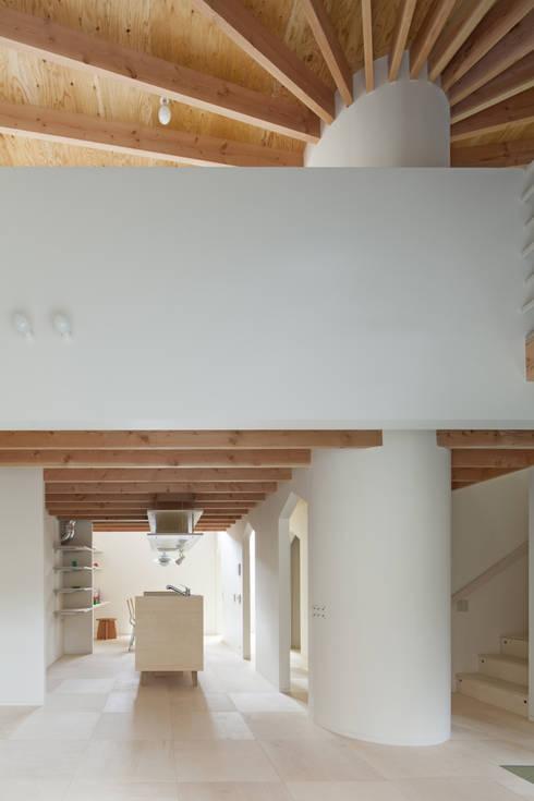 Moon: FUMIASO ARCHITECT & ASSOCIATES/ 阿曽芙実建築設計事務所が手掛けた家です。