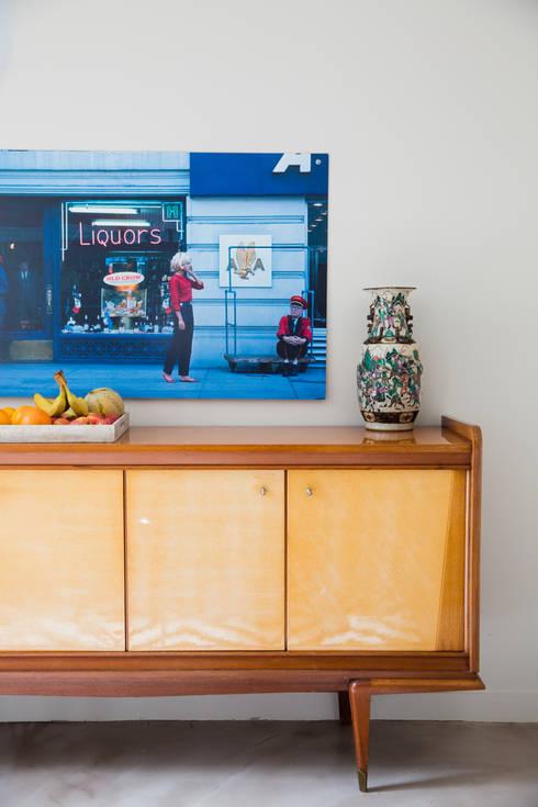 Un salon coloré: Salon de style de style eclectique par mllm