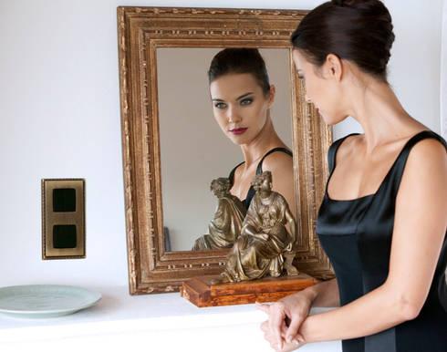 FEDE - Belleza CLÁSICA Belleza FEDE: Hogar de estilo  de SWITCH & LIGHT