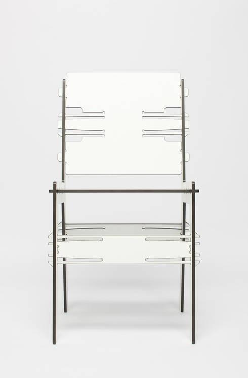 The CLICdiner chair HPL: minimalistische Eetkamer door PeLiDesign