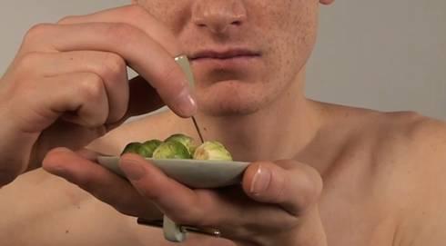 Tablewearable: minimalistische Keuken door Pauline 't Hoen