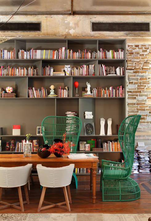 Lounge do Hotel Casa Cor Rio 2012: Salas de jantar  por Gisele Taranto Arquitetura