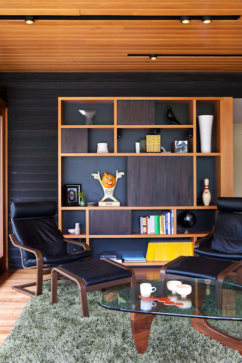 Marine Parade: modern Living room by Dorrington Atcheson Architects