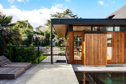 Marine Parade: modern Houses by Dorrington Atcheson Architects