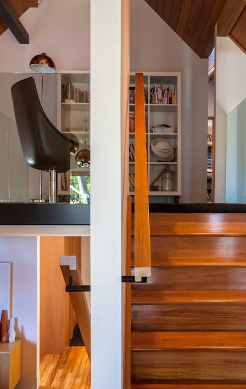 Marine Parade: modern Living room by Dorrington Atcheson Architects
