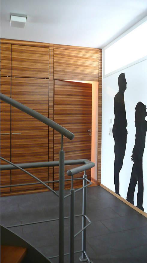 HAUS S. - WOHNHAUS AM HANG:   von Althaus Architekten BDA - Ludwig & Christopher Althaus, Dipl.-Ing. Architekten