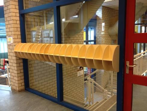 kapstokken: moderne Gang, hal & trappenhuis door binnenruimte