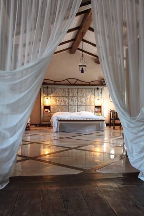 Orkun İndere Interiors:  tarz Yatak Odası
