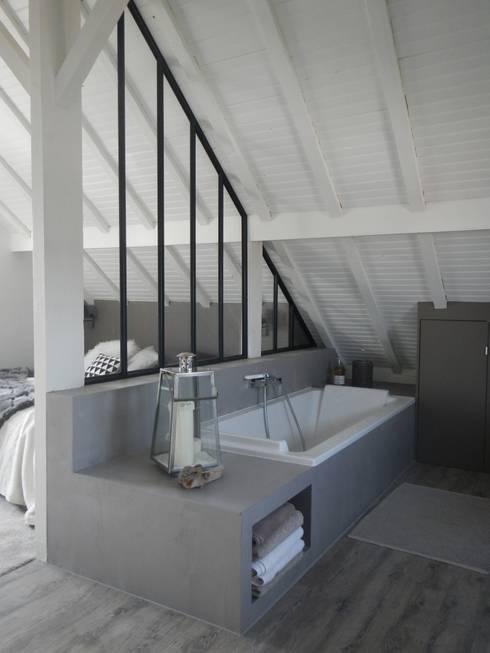 Mesdemoiselles Design: endüstriyel tarz tarz Yatak Odası