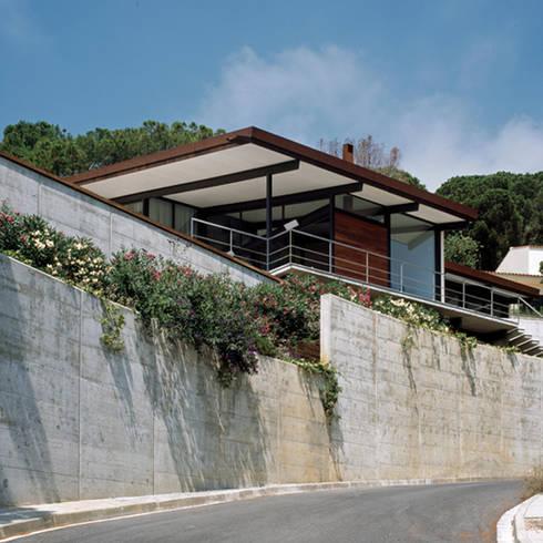 Casa en la costa brava de ar47 scp homify - Apartamentos en costa brava ...