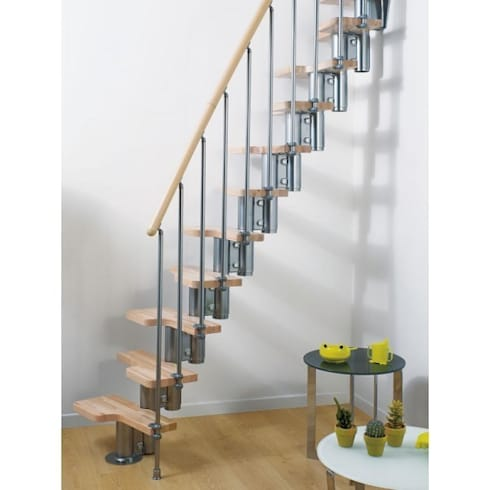 Stairs for small spaces: modern Corridor, hallway & stairs by Fontanot