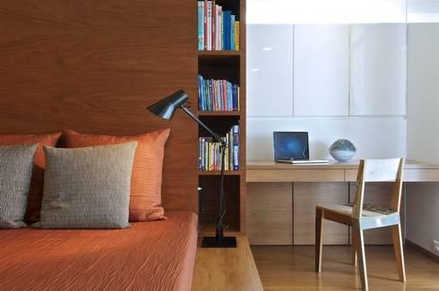 mumbai penthouse 2:   by Rajiv Saini & Associates