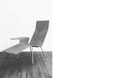Leather Lounge (LL04): moderne Woonkamer door The Maarten Van Severen Foundation