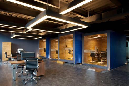 Oficinas Rodríguez-Cacho:  de estilo  por Boutique de Arquitectura  (Sonotectura + Refaccionaria)