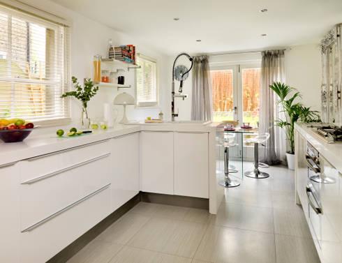 Camberwell Victorian House: modern Kitchen by My Bespoke Room Ltd