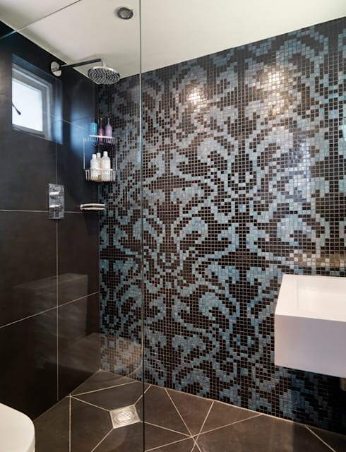 Ванные комнаты в . Автор – My Bespoke Room Ltd