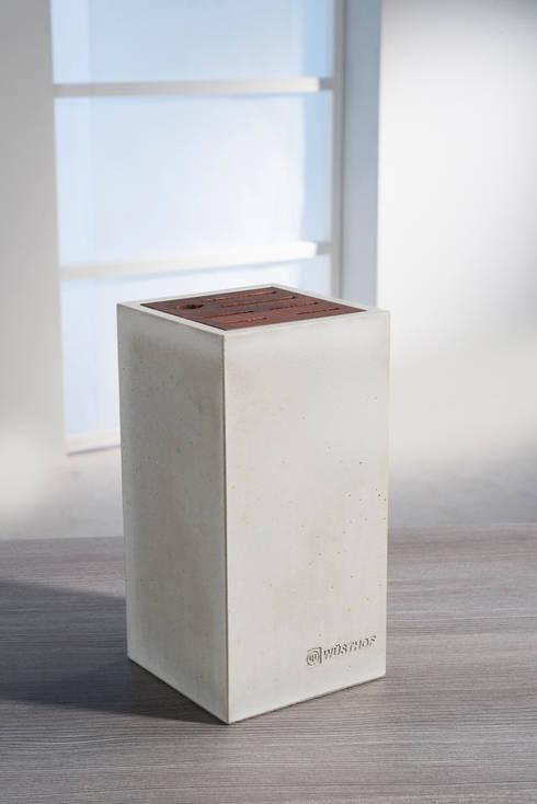 Messerblock aus Beton – puristisch, modern!: moderne Küche von Wüsthof Dreizackwerk GmbH