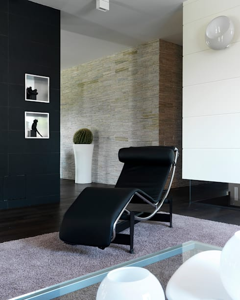 Salas de estar modernas por Studio d'Architettura MIRKO VARISCHI