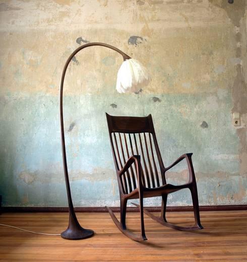 Stehlampe Campan:  Wohnzimmer von Holzarbeiten André Findeisen