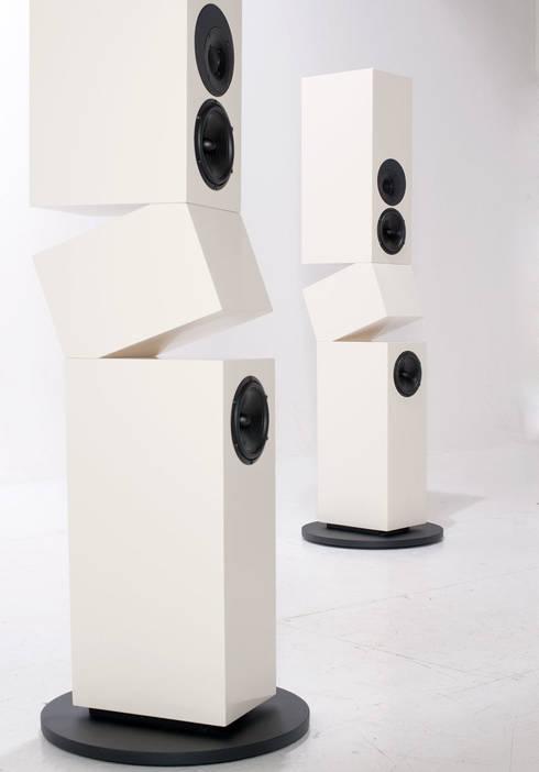 Multimedia room by Kompatibel Design