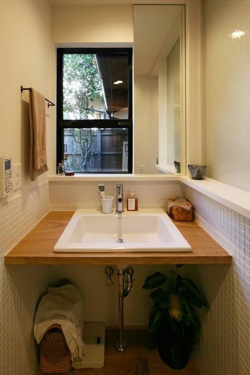 洗面所: 一級建築士事務所expoが手掛けた家です。
