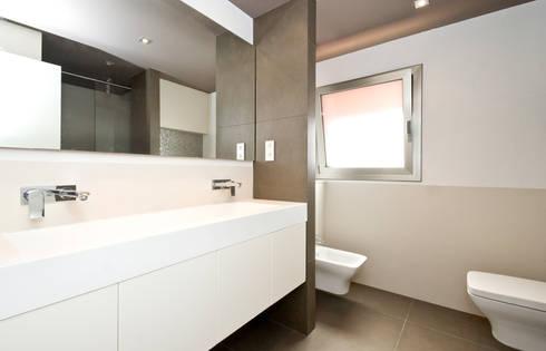 Baño:  de estilo  de LIMEX OBRES I PROJECTES S.L.