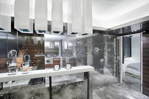 Literati Mansion   Guangzhou, China (ShowFlat): modern Kitchen by Another Design International