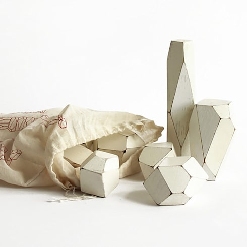 Faceted Building Blocks: modern Nursery/kid's room by Fate London