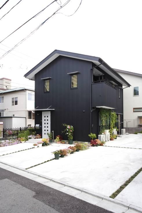 Projekty,   zaprojektowane przez 有限会社ヨシダクラフト