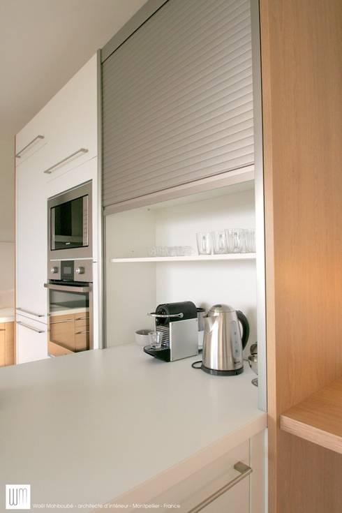 Appartement à Cannes meublé entièrement par wm: Cuisine de style de style Minimaliste par WM