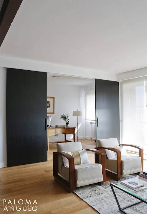 Salon: Salones de estilo minimalista de Interiorismo Paloma Angulo