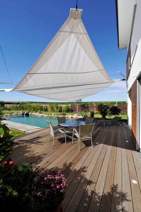 Projekty,  Balkon, weranda i taras zaprojektowane przez Julia Schlotter Design