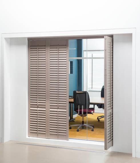 Finestre & Porte in stile  di Ihr Einrichter Deco und Interieur Ralf Leuter