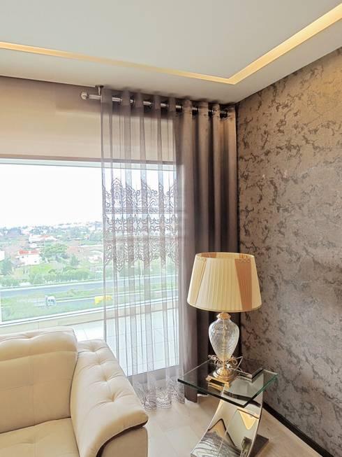 Paysagisme d'intérieur de style  par Visage Home Style