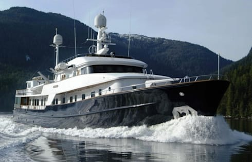 Motor Yacht Revelation:   by mikar1031