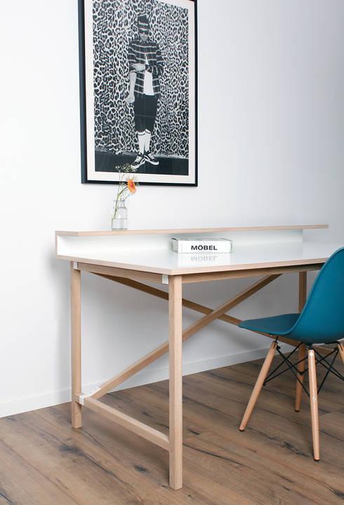 Schreibtisch EGON:  Arbeitszimmer von Formfreund Holzmanufaktur