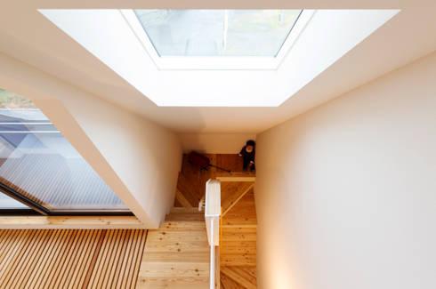/SLASH: 株式会社間宮晨一千デザインスタジオが手掛けた家です。
