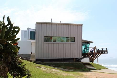 Residência JP: Casas modernas por zaniboni arquitetos