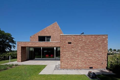 Rielestate door joris verhoeven architectuur homify for Casa moderna ladrillo