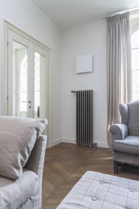 RADIATORE DESIGN MOOD - FONDITAL: Casa in stile  di fondital