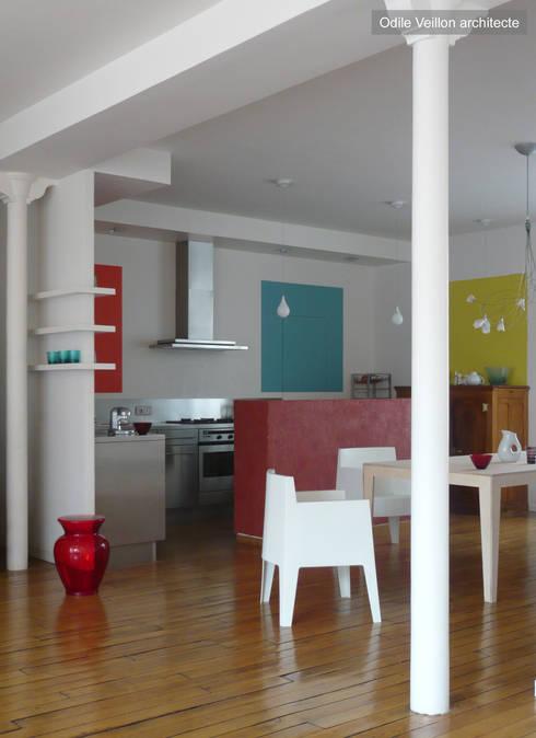 LOFT R - Aménagement d'un plateau à PARIS XI: Cuisine de style  par Agence d'architecture Odile Veillon / ARCHI-V.O